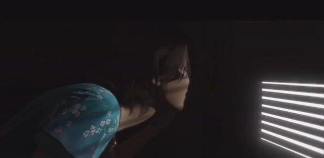 Jodie wird in den Schrank gesperrt
