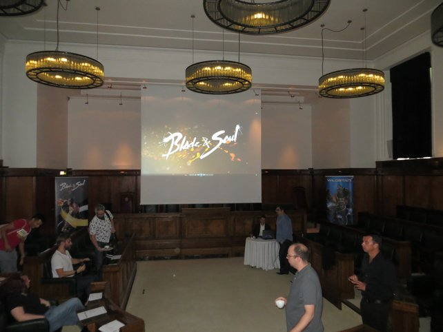 In diesem schicken Tagungssaal in London wurden brandneue Fakten zu Blade and Soul präsentiert.