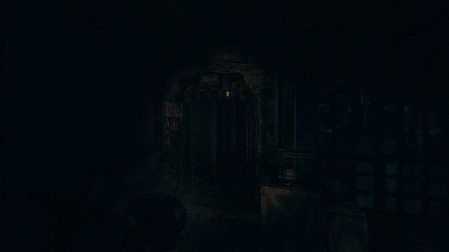 Nach dem Mechanismus öffnet sich diese Tür hier.