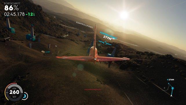 Bei den Air Races durchfliegt ihr Tore möglichst schnell und exakt – Gegner tauchen hier aber nicht auf.