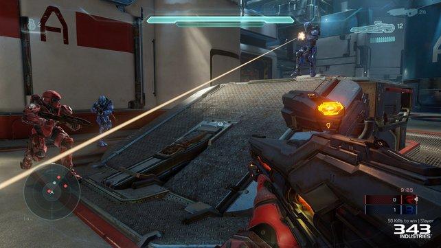 Blau gegen Rot: Zwei Teams kämpfen um die Vorherrschaft.