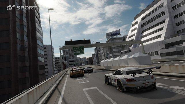 Neben offiziellen Rennstrecken düst ihr auch durch Stadtkurse wie dem Tokyo Expressway.