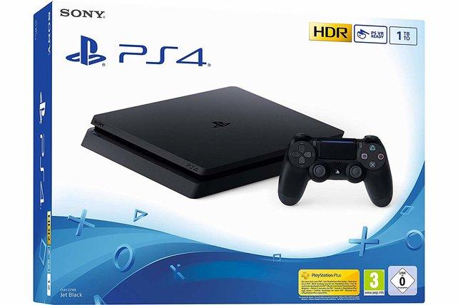 Die PS4-Slim bekommt ihr gerade auf Amazon, MediaMarkt und Saturn für fast 100 Euro günstiger. In manchen Bundles gleich mit einem Spiel dazu.