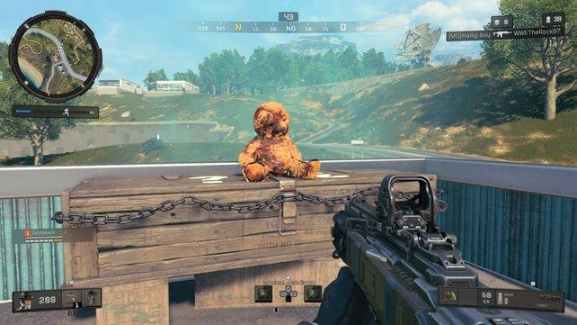 Süß, der Teddy: Tötet alle Zombies im Gebiet und schnappt euch den besten Loot in Blackout.