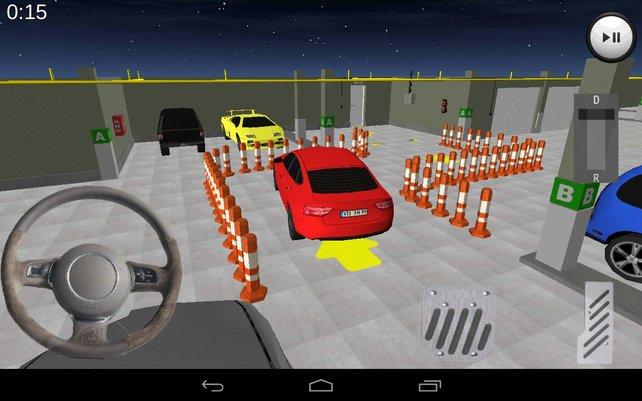 Nervig wie in der Realität: In engen Parkhäuser bugsiert ihr euer Fahrzeug herum.