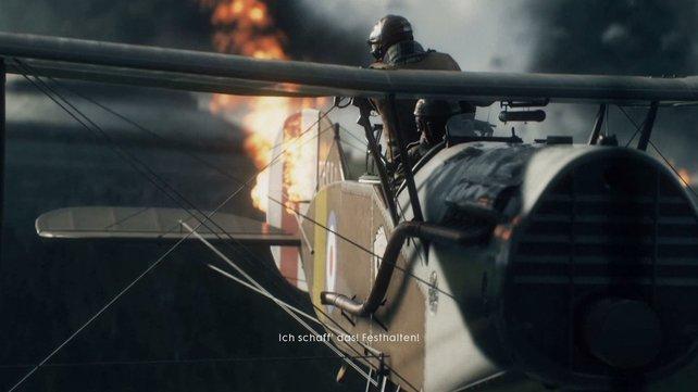 Als Pilot könnt ihr wählen, ob ihr am Steuerknüppel sitzt oder als Heckschütze in den Kampf eingreift.