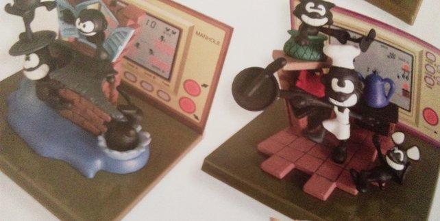 Game & Watch ist heute, war aber eigentlich schon immer Kult. Das gewaltige Merchandise-Angebot unter zahlungskräftigen Liebhabern der charmanten Pseudo-Taschenrechner beweist das.