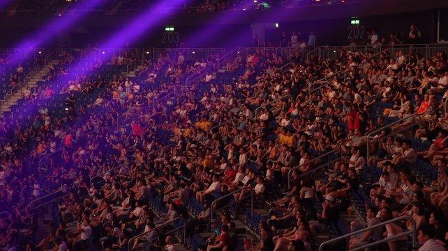 Auch die Mercedes-Benz-Arena in Berlin war ausverkauft. Einige Sitze blieben allerdings leer, weil viele Interessenten beim Kauf der Tickets nur auf exklusive Event-Skins spekulierten.
