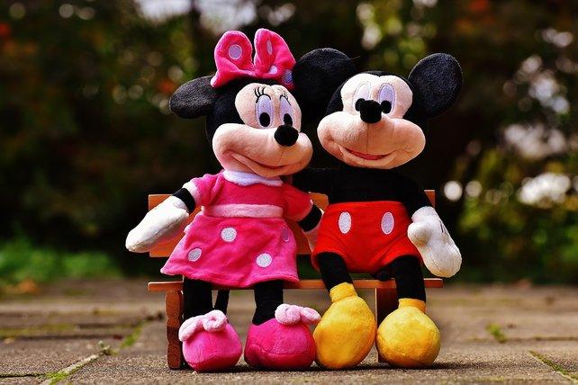 Links im Bild: Minnie Maus. Rechts: Angeblich ich.