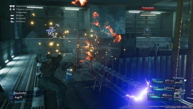 Wechselt geschickt zwischen euren Gruppenmitgliedern hin und her, um die Laserkanonen und die Monodrives zu vernichten.