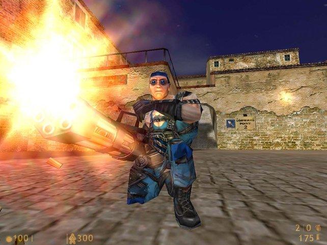 Team Fortress: Bereits in der am 24. August 1996 veröffentlichten Version 1.0 waren aber Klassen wie der Scout, der Sniper, der Soldier, der Demolition Man und der Medic vertreten.