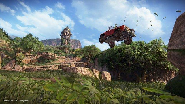 Mit Bleifuß zum Goldzahn: Um die weiten Wege im Open-World-Level möglichst schnell zurückzulegen, schwingen sich Chloe und Nadine immer wieder in ihren Jeep.