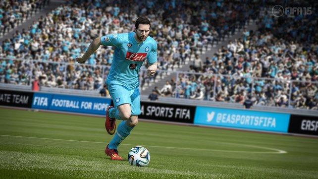 Die Spieler tragen in Fifa 15 nicht nur ihre richtigen Schuhe, sondern jedes Tattoo sitzt am rechten Fleck.