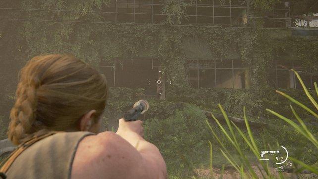 Wartet bis rechts die Scars herauskommen und erschießt sie aus dem hohen Gras heraus. Nutzt dafür am besten einen Schalldämpfer.