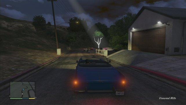 Verfolgt Poppy, die wiederum von der Polizei verfolgt wird.