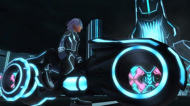 Der Tron-Abschnitt glänzt durch Neon-Ästhetik.
