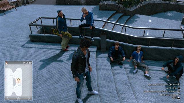 Die Blue Kings Skater sitzen im Hamekita Park und warten nur darauf, dass ihr mit ihnen skatet.