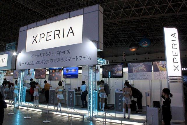 Neben seinem Playstation-Stand führte Sony auch seine Xperia-Handys vor.
