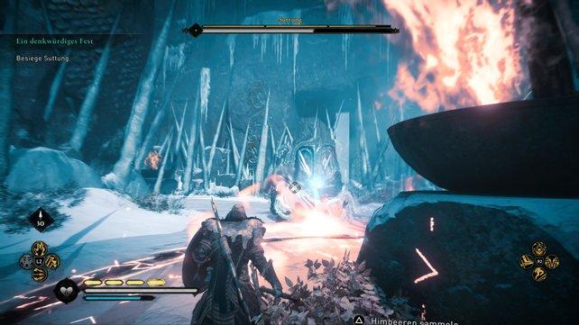 In Phase 1 des Bosskampfs gegen Suttungs müsst ihr vor allem auf den Eisregen achten. Die Feuerschalen schützen euch.