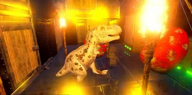 Auch mit den Fackeln könnt ihr viel Wärme schaffen und so Eier ausbrüten. Hier ist gerade ein kleiner T-Rex geschlüpft.