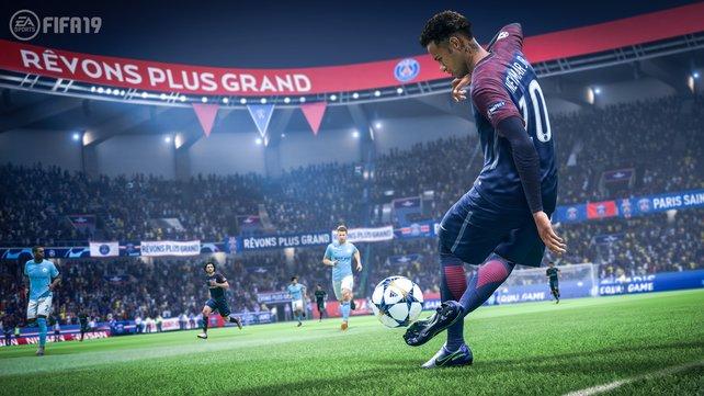 FIFA 19 überzeugt mit vielen spielerischen Neuerungen, beinhaltet aber auch altbekannte Schwächen.
