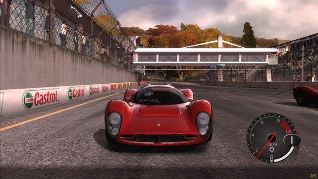Ein schnittiger Ferrari beim Start