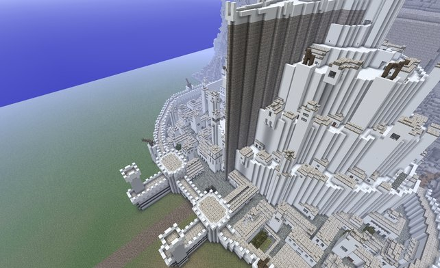 Eindrucksvolle Bauten gibt es in Minecraft wie Sand am Meer, wie zum Beispiel hier diese Stadt aus Herr der Ringe.