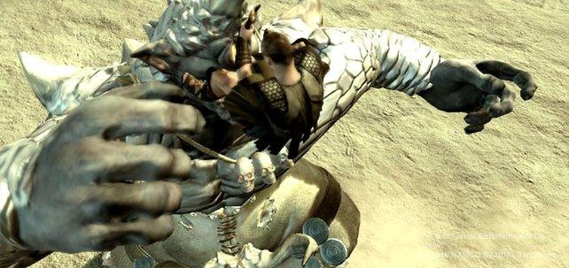 Angesprungen: Wenn Fernkampfwaffen nicht helfen, sucht Perseus die direkte Konfrontation.