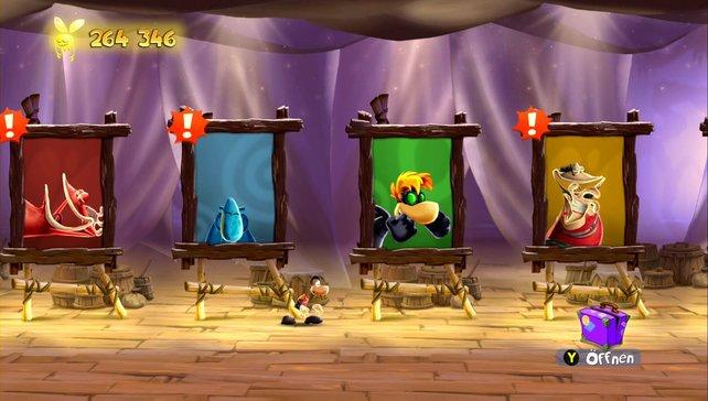 Ray Vaas steht in der Heldengalerie vor Splinter Ray und Far Glob.