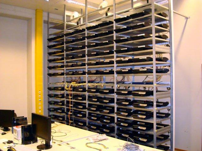 Mit genügend Konsolen hat man genug Rechenkraft, um einen Supercomputer zu simulieren.