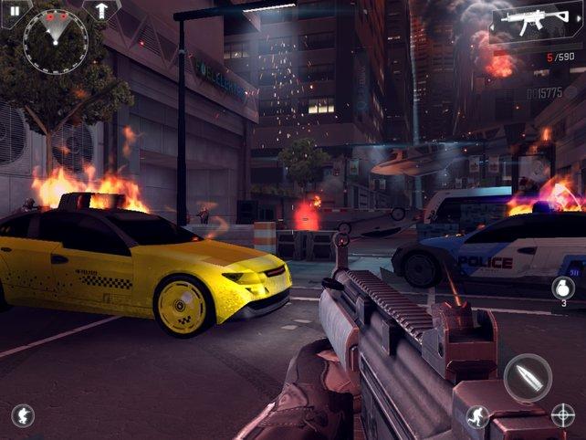 Modern Combat 4 verwöhnt das Zockerauge mit zerstörten Stadtkulissen und massig Grafikeffekten.