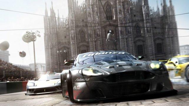 Heiße Rennen auf dem Kopfsteinpflaster von Mailand.