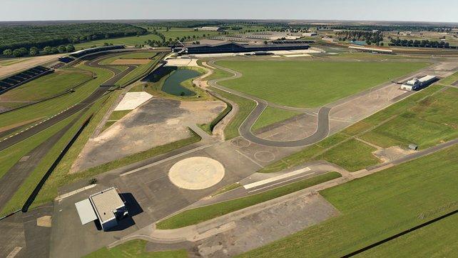 Auch auf dem Kurs von Silverstone dreht ihr künftig eure Runden.