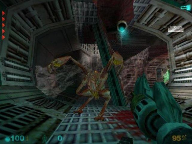 Ein Gegner bekommt unsere Solaris-Klinge zu spüren