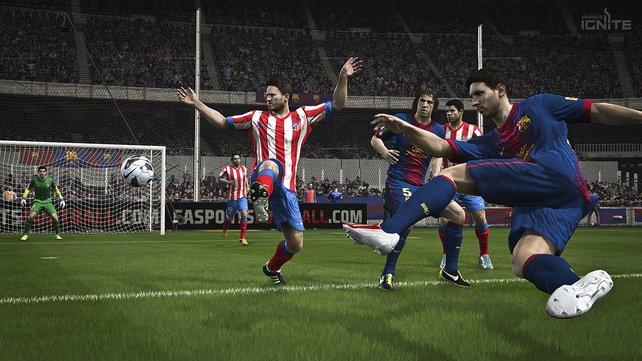 So wie hier in Fifa 14 könnt ihr bei Fifa 15 auf Verbesserungen im optischen und spielerischen Bereich setzen.