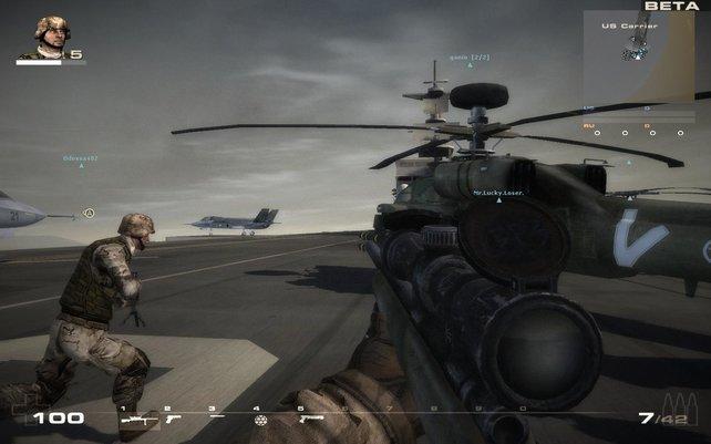 Hubschrauber, Flugzeuge - alles dabei, was es für einen anständigen Krieg braucht.