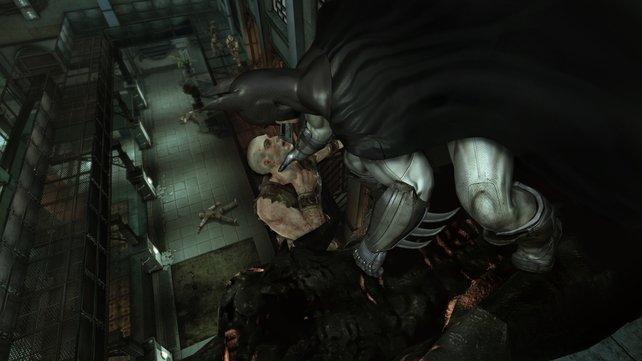 Batman räumt mit haufenweise Gesindel auf.