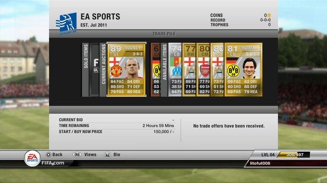 """Im Kartenspiel """"Ultimate Team"""" stellt ihr eure Wunschstartelf zusammen (FIFA)."""