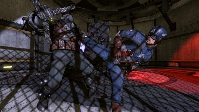 Captain America teilt mit Händen Füßen und Schild aus.