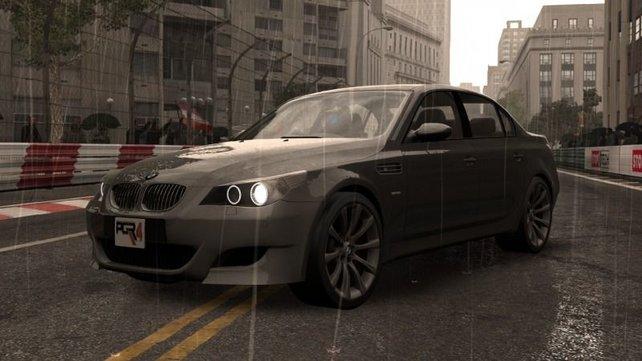 Schaulaufen im Regen, der BMW sieht  wie alle Wagen in PGR 4 toll aus.