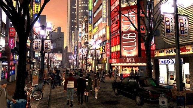 Den Stadtteil Kamurocho erforscht ihr bei Tag und Nacht.
