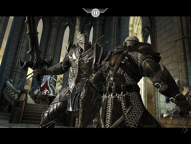Der dunkle Ritter ist die letzte Hürde vor dem Gottkönig, der im Hintergrund auf euch wartet.