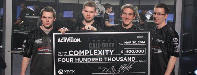 Die stolzen Gewinner des Call of Duty - Championship 2014.