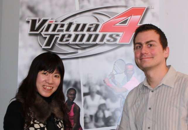 Produzentin Mie Kumagai (links) mit spieletipps-Reporter Thomas.