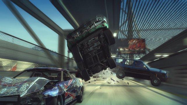 Kommt ein Auto geflogen... Das Schadenssystem sieht klasse aus.