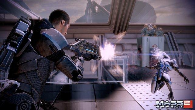 In Mass Effect beschützt ihr in der Rollen von Commander Shepard die Menschen vor fiesen Aliens.