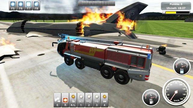 Um Punkt 18:26 fängt das Flugzeug Feuer. Um 18:27 seid ihr schon vor Ort.