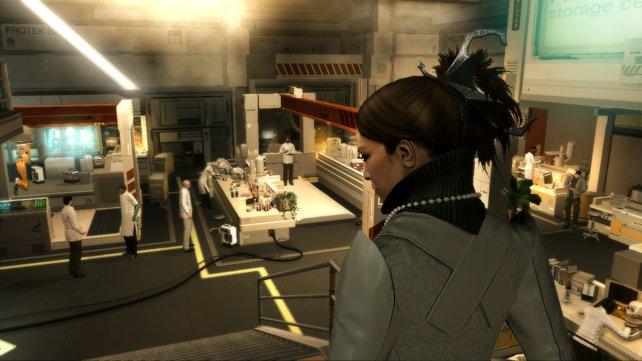 In den ersten Minuten des Spiels lauft ihr mit Ex-Freundin Megan durchs Labor.