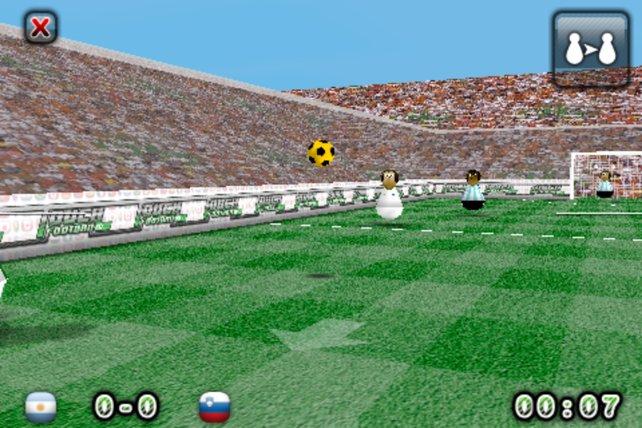 Der Pfeil in der Mitte zeigt Richtung Tor des Gegners.