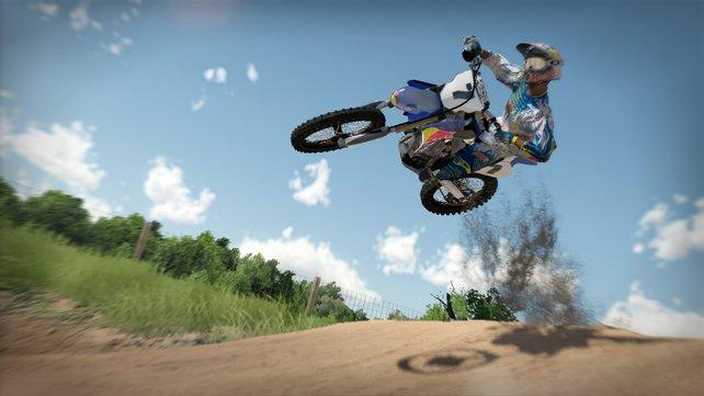 Motocross-Profi James Stewart begegnet euch im Spiel.